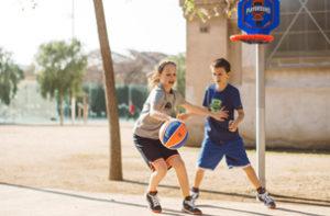 Como escolher sua bola de basquete infantil