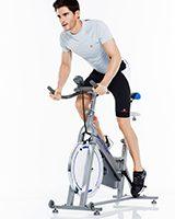 o rolo de treino versus bike de spinning