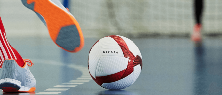 c114aad11af64 Como escolher sua bola de futsal • Decathlon