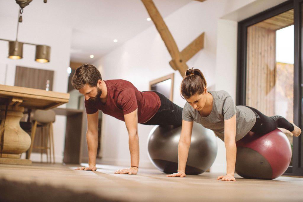Bolas e Faixas de Pilates