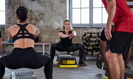 A calça legging de fitness deve ter elasticidade e opacidade