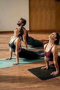 Hot Yoga para equilíbrio entre corpo e mente