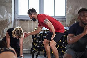 A ajuda de um coach ajuda a manter a motivação para treinar