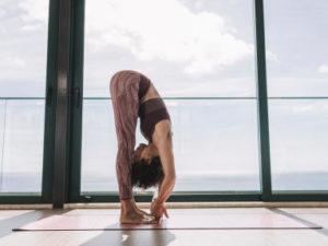 benefícios físicos do Ashtanga Yoga