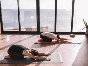 os benefícios mentais da Ashtanga Yoga